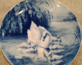 1970 Mothers Day Blue Swan Porcelain Collectible Plate
