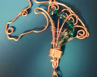 Wirework horse with stones and teardrop