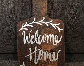 """Small """"Welcome Home"""" cutting board"""