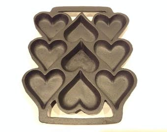 Vintage John Wright Heavy Cast Iron 9 Heart Shaped Cookie/Muffin Baking Mold Made In U.S.A.