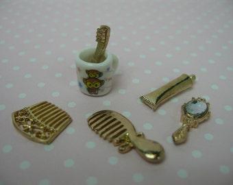 Miniature dolls house bathroom accessories 6pcs set