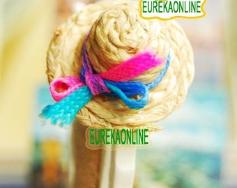 Miniature dolls house straw hat