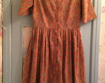 Vintage 1950's Paisley Red and Yellow Cotton Shirt Dress - Size 10 - perfect for autumn - very Betty Draper from Mad Men - perfect condition