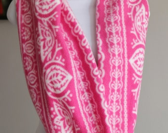 Pink & White Infinity Fleece Scarf-Warm and Cozy Fashionable Scarf for cold commutes