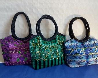 Embroidered flower handbag purse from Oaxaca / Two inside pocket / Shoulder bag