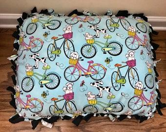 Smal bicycle dog pillow