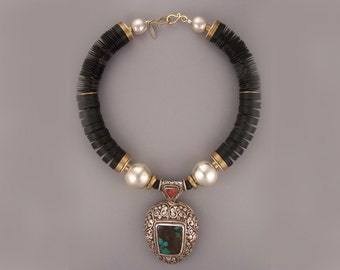 LEV-522:Black Vulcanite Tibetan Sterling Pendant Necklace