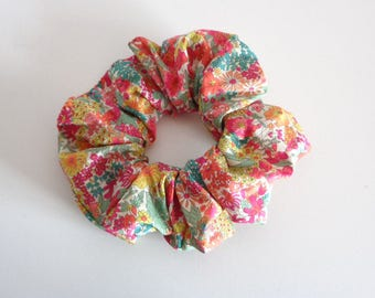 scrunchies, scrunchy scrunchie red floral  Scrunchie chouchou , cotton scrunchie, hair scrunchie,  Handmade by  ScrunchiesCo .