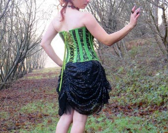 Gothic skirt / burlesque curled high-waisted