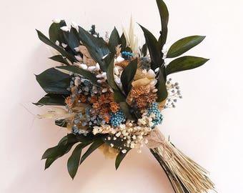 Ramo de flores preservadas con toques azules (Eucaliptus y flores silvestres)
