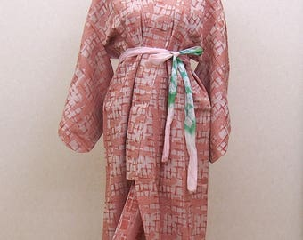 pink kimono / vintage kimono robe / maybe wool mix