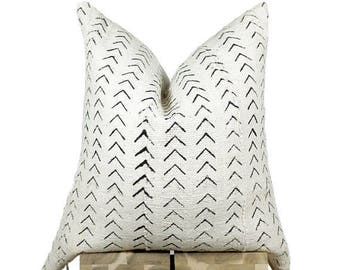 African Mudcloth Pillow Cover, Authentic African Mud Cloth Pillow | Cream & Black | 'Isis'