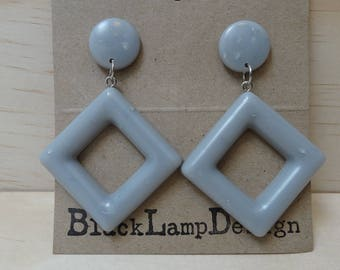 Metallic Drop earrings in smokey grey