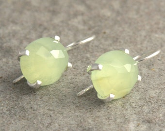 Sterling silver earrings with faceted préhnite