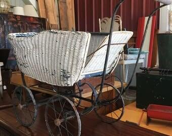 Vintage 1920's Lloyd Loom Baby Carriage Stroller
