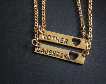 set of mother daughter necklaces