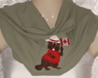 Cowl scarf with Canadian beaver
