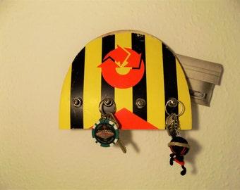 Skateboard key board with shelf
