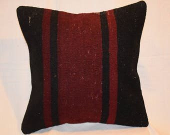 middle dark red color kilim pillow handwoven Turkish kilim pillow trhow tribal kilim pillow ethnic kilim pillow decorative pillow