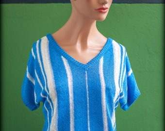 Pullover short blue with white stripes - v neck lightweight sleeves scooped front and back - brand Vitos - size 36 - vintage