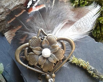 PIN flower and natural feathers