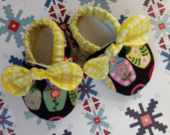 Soft sole baby shoes cribshoes rubber sole slippers russian doll bow booties girly booties
