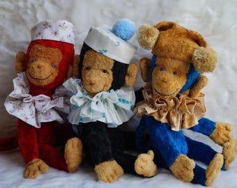 Monkeys Tim, Tom and Tom