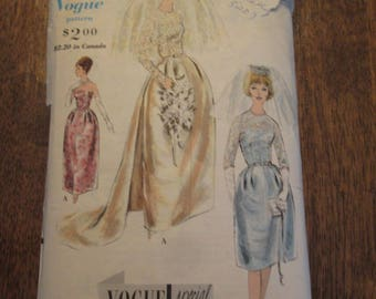 1960's Vintage Vogue Wedding Dress Pattern, Vogue 4298, Size 10