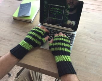 "Knitted ""Matrix:BlackHat"" Fingerless Handwarmers/Mittens"
