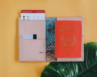 Leather Passport Case // Passport Wallet // Travel Wallet