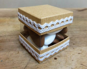 8 boxes cardboard candy Cube, Mini-cube, Cube duo, cinnamon / Jute and lace
