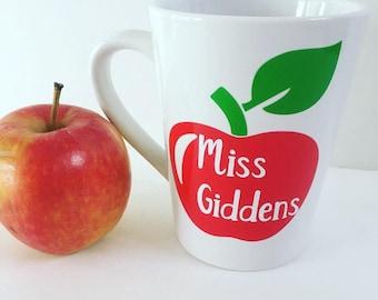 Teacher mug, personalized teacher name, apple background, Teacher appreciation