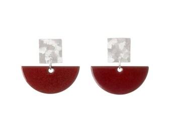 Fan - Plum enamel earring studs