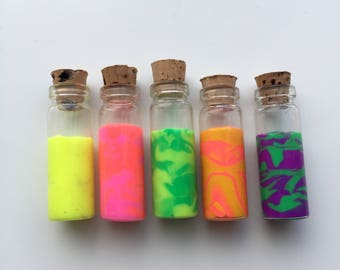 Set of 5 mini potion bottles - fluorescent
