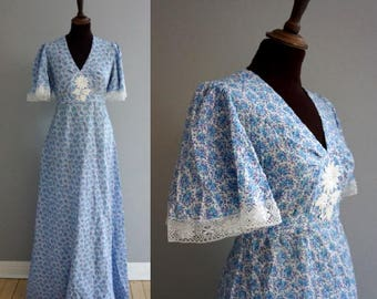 Late 1960s -early 1970s Prarie Dress / Vintage 1970s Floral Boho Maxi Dress