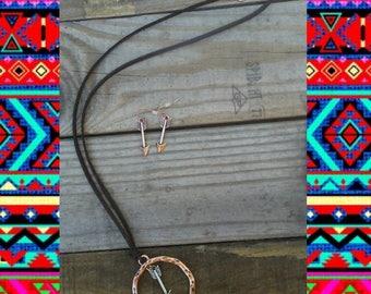 Arrow necklace set.