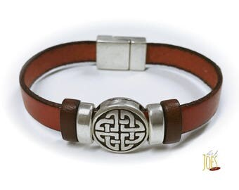 Leather Bracelet with tribal motif