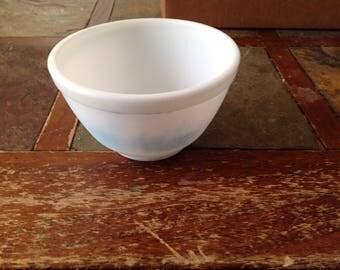 1940s Pyrex bowl