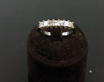 18-carat White Gold 7 Riviere princess cut diamonds