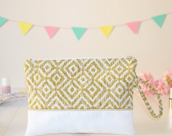 A Mila yellow cover sewing kit