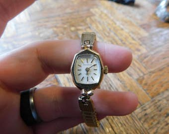 Vintage Bulova Caravelle Manual Wind watch with FREE SHIPPING in cont usa