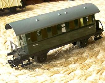 1950s MArkLIN HO TRAIN  327/1 GReeN Car - GERman