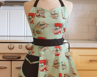 Apron Retro Style Sweetheart Neckline Baking Full Apron BELLA Vintage Inspired