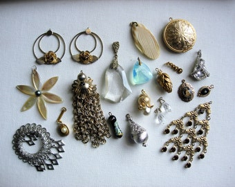 Beautiful Lot of Various Vintage Pendant/Charms Jewelry Components