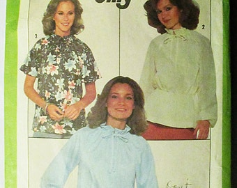 1970s Vintage Sewing Pattern Simplicity 8293 Misses Jiffy Pullover Blouse Pattern Size Small (10-12)