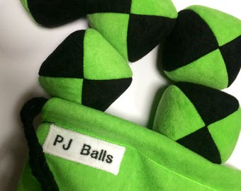 105g - 5 JUGGLING BALLS With Bag - Black and Bright Green PJ Balls - Beanbags