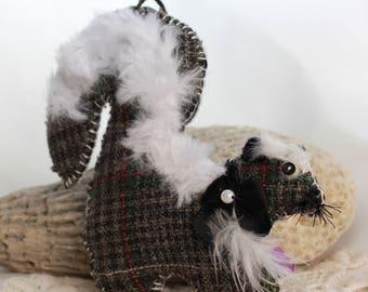Fluffy the Skunk Quilty Critter - OOAK, Folk Art, Novelty, Ornament, Gift