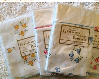 HOLIDAY SALE - Cannon Combspun Percale Sheet & Pillowcases - Rose Wreath Pattern Roses - NOS - Unused All Cotton Linens - Nip