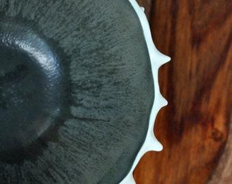 Modern Ceramic Bowl -  Conch Bowl Black White Ceramic Bowl, Modern Ceramic Planter, Gift for Her, Gift for Him