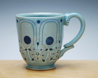 Deco mug in Aqua gloss w. Tudor Rose and Navy Polka dots & detail, Victorian mod handmade cup